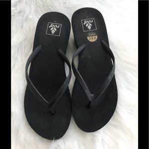7797beef02da Reef Shoes - Reef Krystal Star Wedge Flip Flops 8 Black